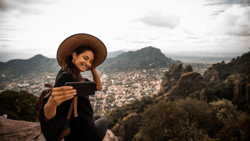 Argentinian woman traveling Mexico.