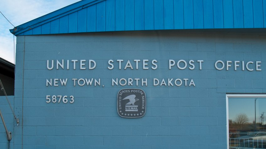 New Town North Dakota post office.
