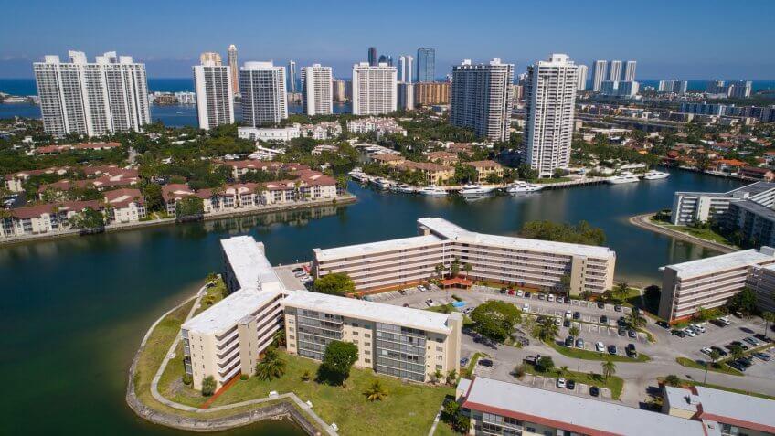 Aerial image of Aventura Florida.