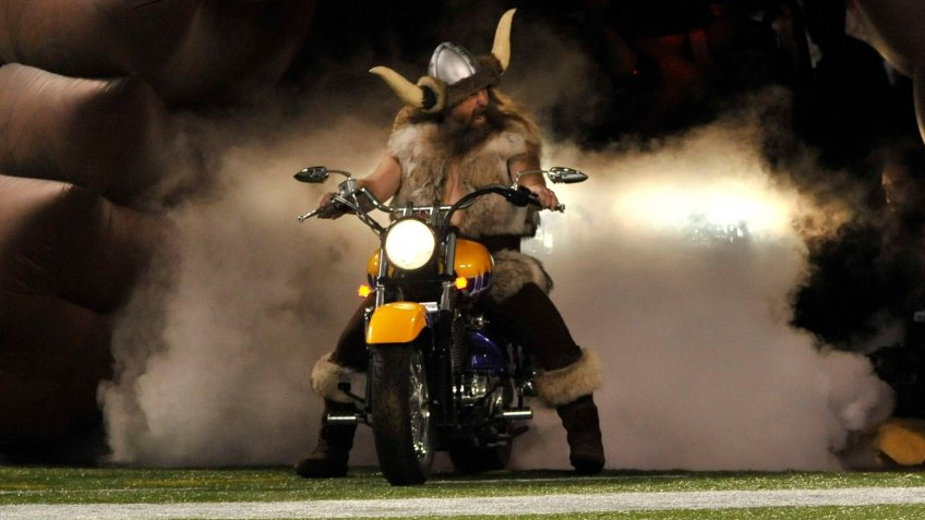 Minnesota Vikings mascot Ragnar the Viking