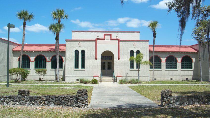 North Fort Myers, Florida: J. Colin English School