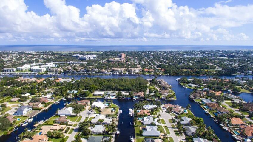 Aerial view of real estate in Palm Beach Gardens, FL - Image.
