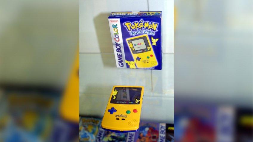 Pokemon Gameboy Pikachu edition
