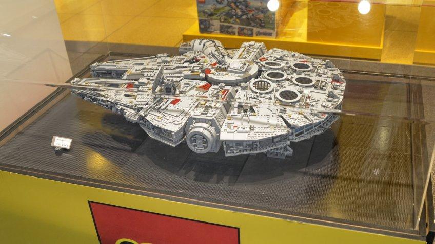 Star Wars Lego Millennium Falcon