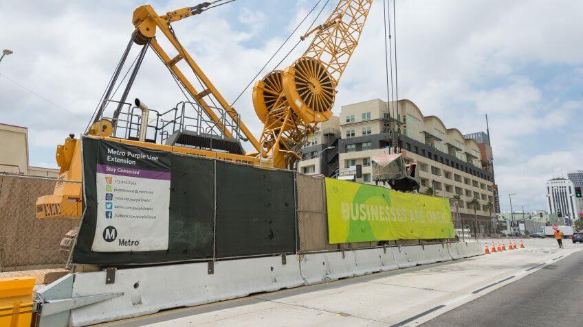 LA Purple Line Extension - Wilshire and La Brea station construction