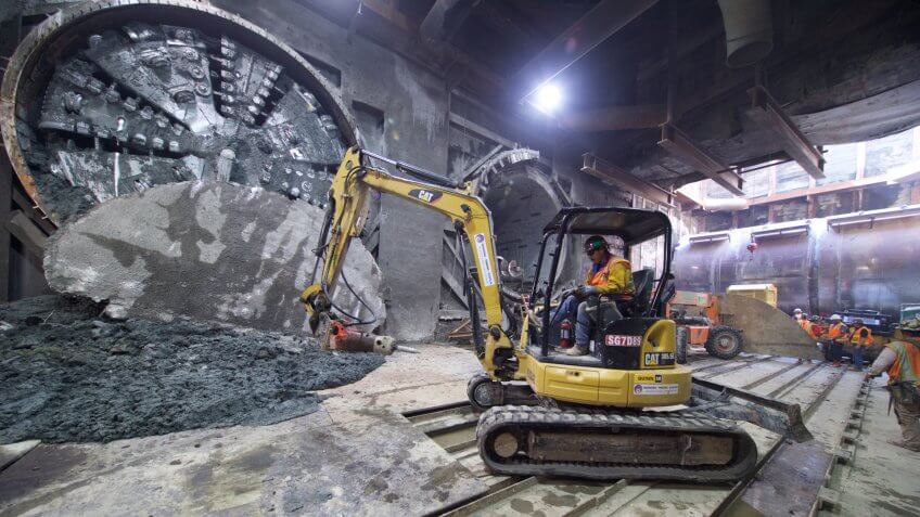 LA Purple Line Extension - Second tunneling machine arrives at Wilshire and Western station