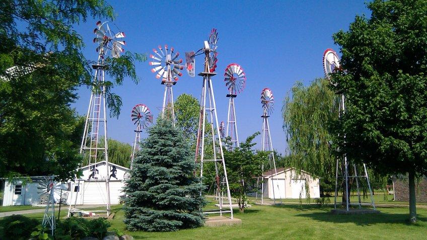 Windmill collection, Lebanon, Indiana