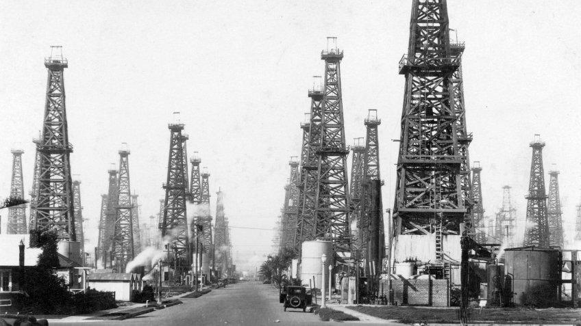 oil wells near La Habra California in the 1920s