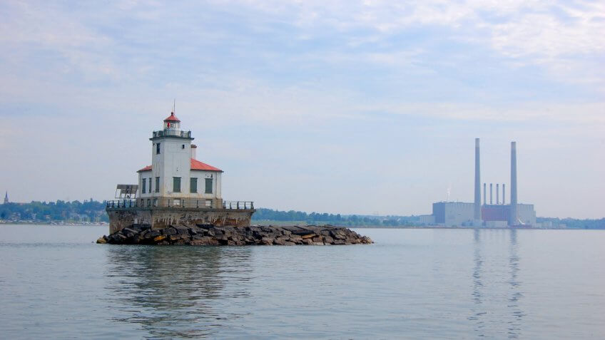 Oswego Harbor West Pierhead Lighthouse at Lake Ontario, Oswego, New York State, USA.