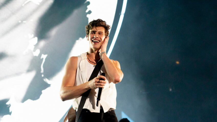 Shawn Mendes performer