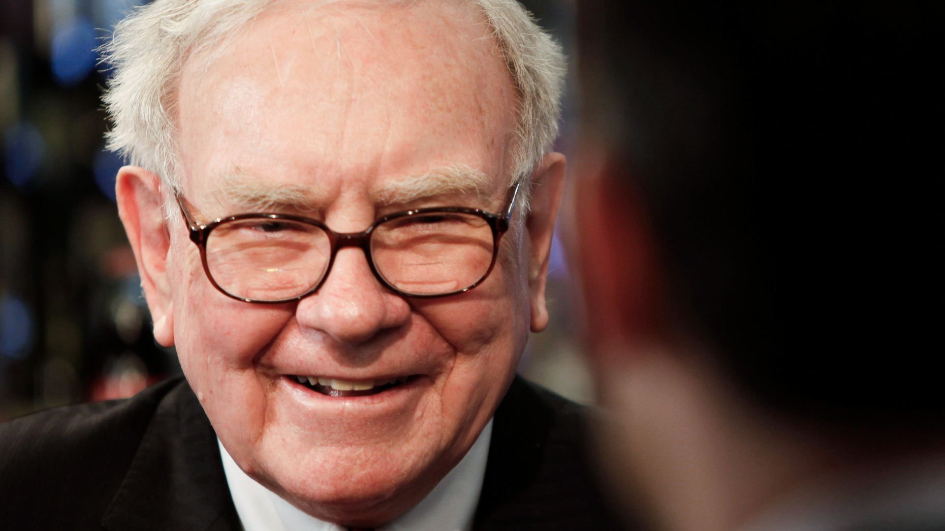 10 Lessons Warren Buffett and Other Moguls Learned From Losing Millions