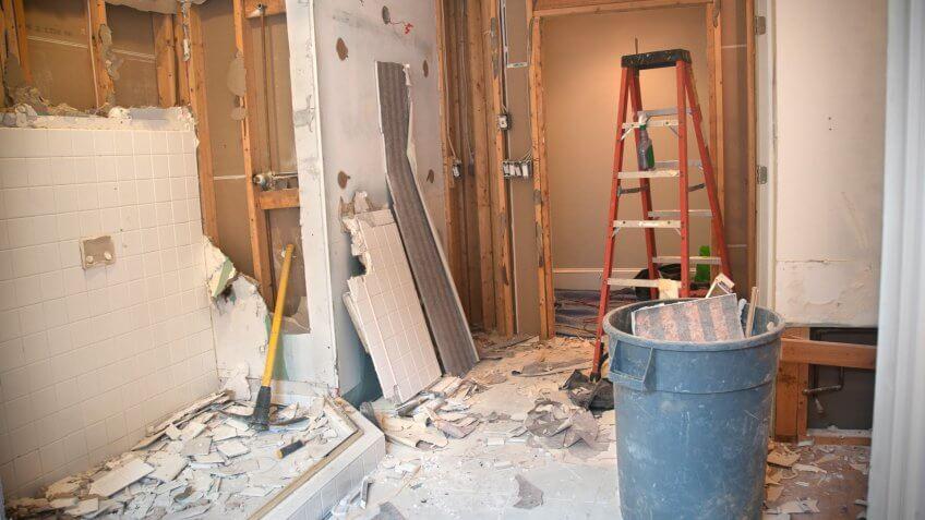Master Bathroom Remodeling: Demolition Phase.