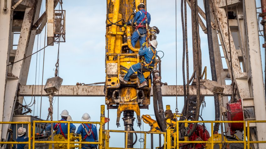 Crane - Construction Machinery, Fossil Fuel, Oil, Fracking, Natural Gas.