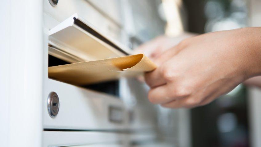sending envelope in mail box
