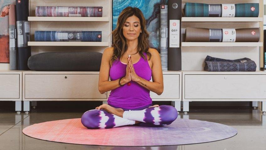 Easy yoga pose with Desi Bartlett