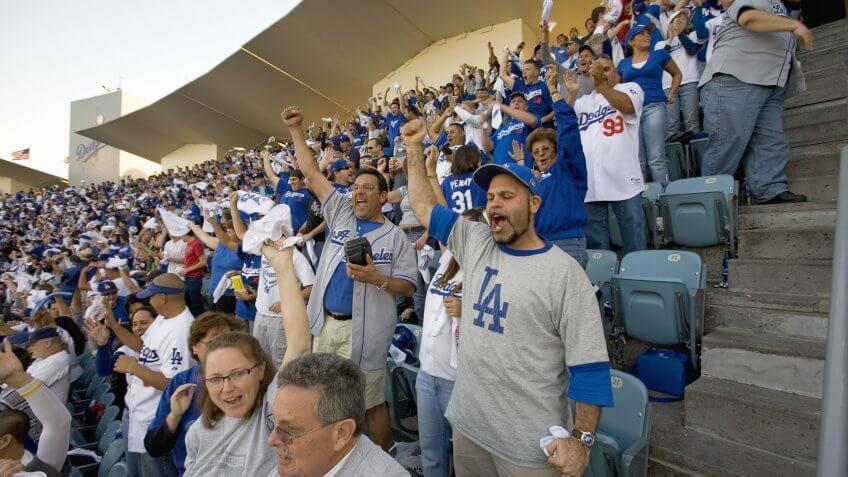 LA Dodgers fans celebrate run