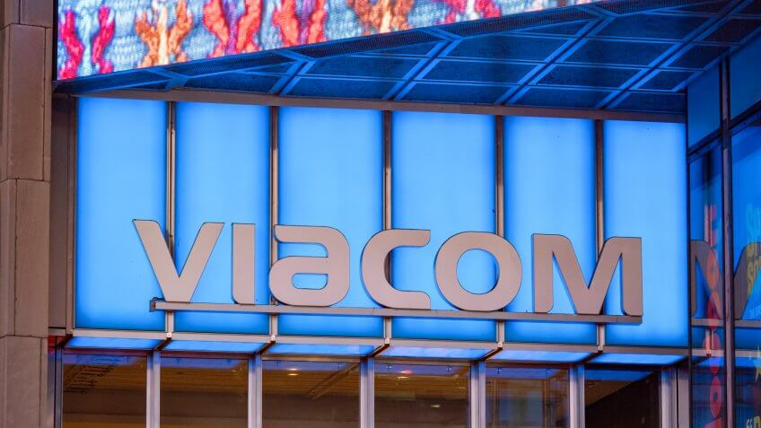 NEW YORK, NY – MAY 16, 2018: Viacom logo at their Times Square headquarters entrance - Image.