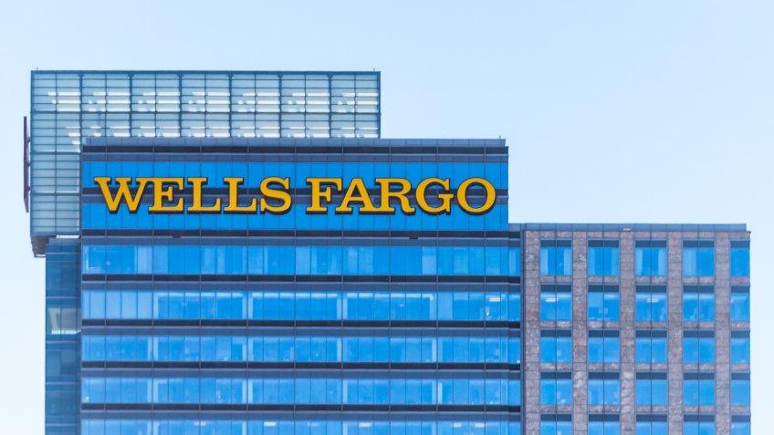 wells fargo new years eve hours 2020