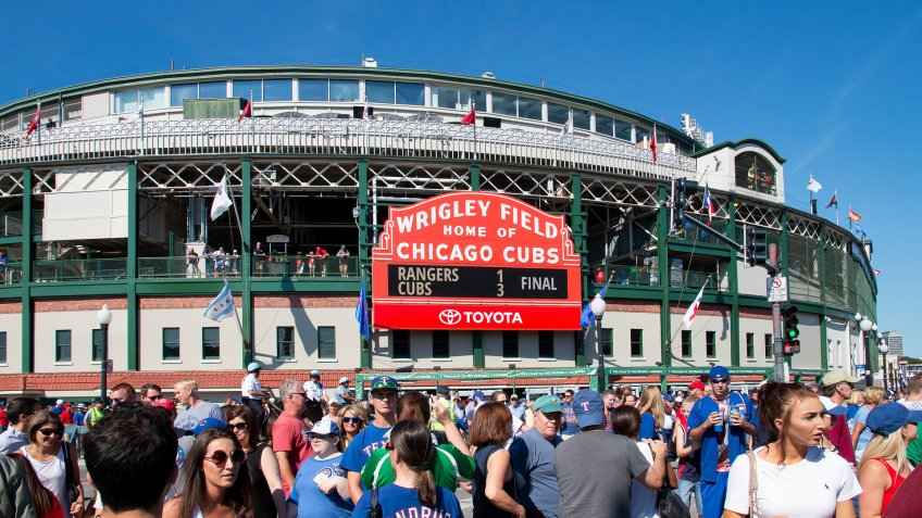 Wrigley Field day game with fans