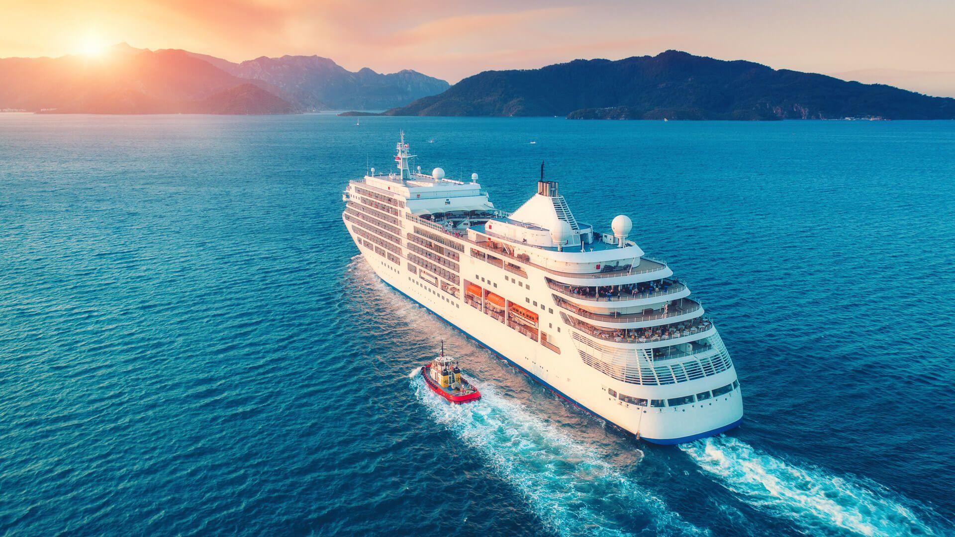 cruiseline approaching land port