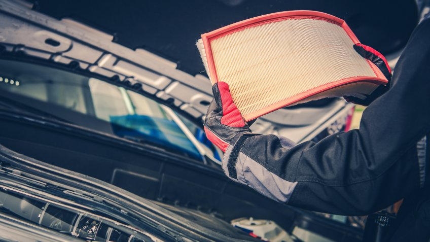 Modern Vehicle Air FIlter Replacement.