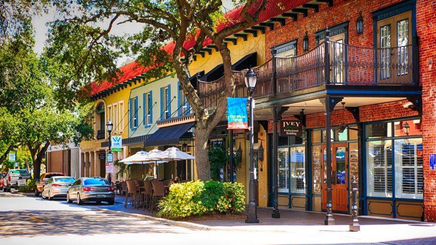Old Main Street in downtown Bradenton, FL USA.