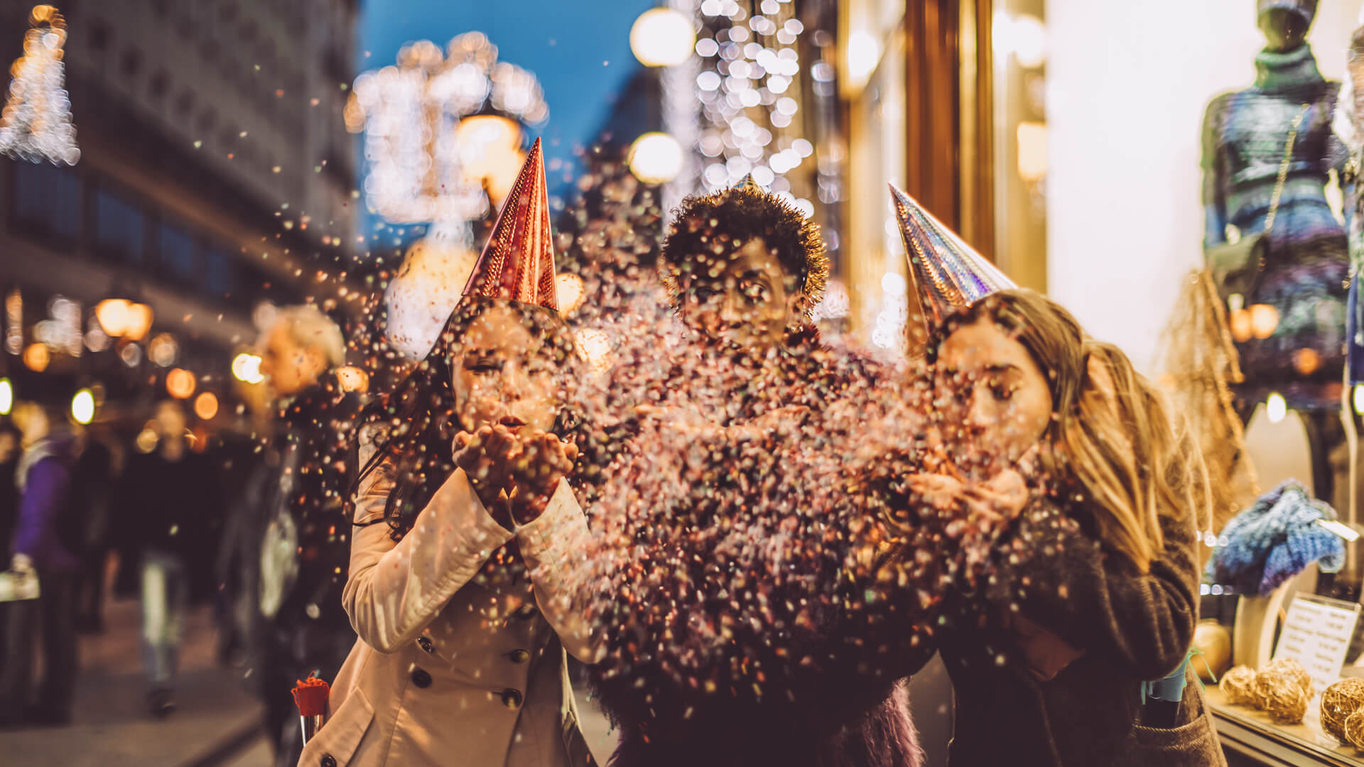 36 Stores Open on New Year's Eve and New Year's Day 2020