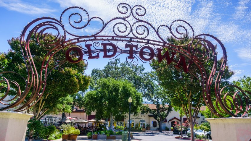 July 30, 2018 Los Gatos / CA / USA - Entrance to the Old Town Center Shopping and Dining area in downtown Los Gatos, south San Francisco bay - Image.