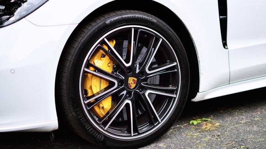 Porsche Panorama ceramic brake