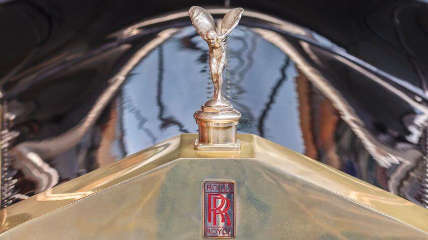 Rolls-Royce gold Spirit of Ecstacy emblem