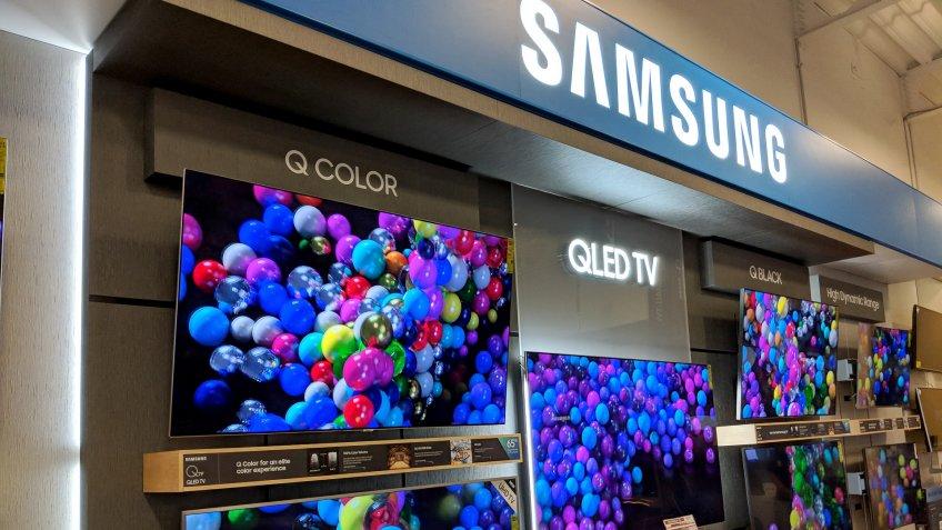 Samsung display in Best Buy