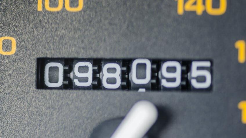 odometer reading on car