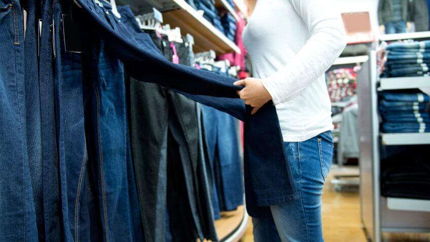 girl shopping for jeans