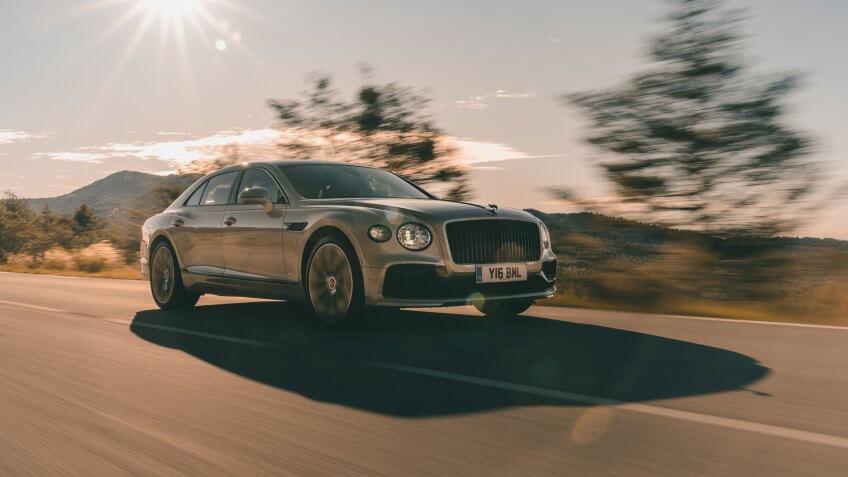 Bentley Flying Spur Monaco White Sand.