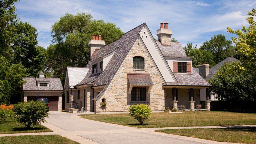 American suburban houseCheck a special lightbox with more real estate photos:.