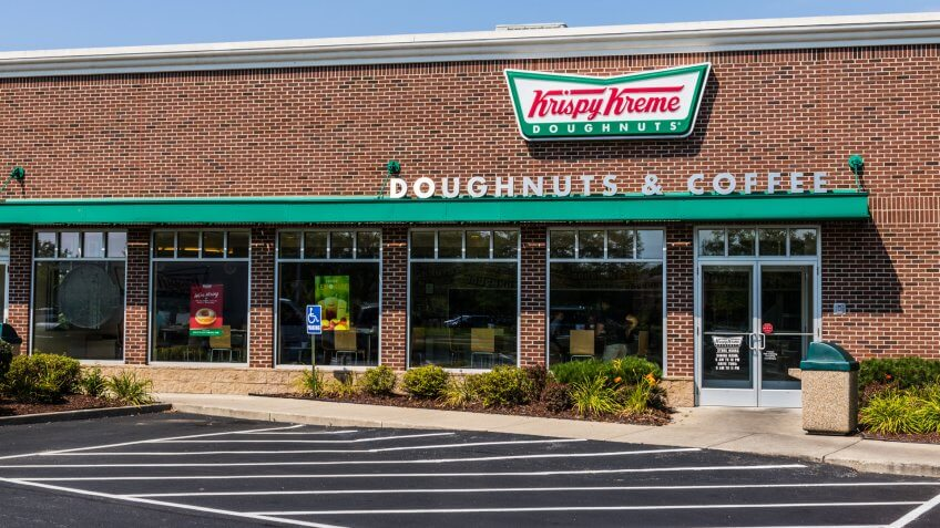 Mishawaka - Circa August 2018: Krispy Kreme Signage and Logo.