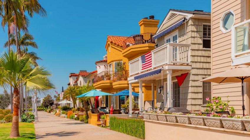 Long Beach beach house,  Naples - Long Beach, California, Naples Island, patio set, patio furniture, outdoors furniture.