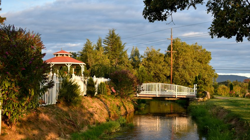 Medford Oregon and the surrounding area.