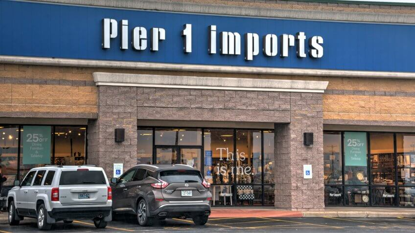 Springfield, Missouri - March 20, 2019: Pier 1 Imports is a Fort Worth, Texas based retailer specializing in imported home furnishings and decor.