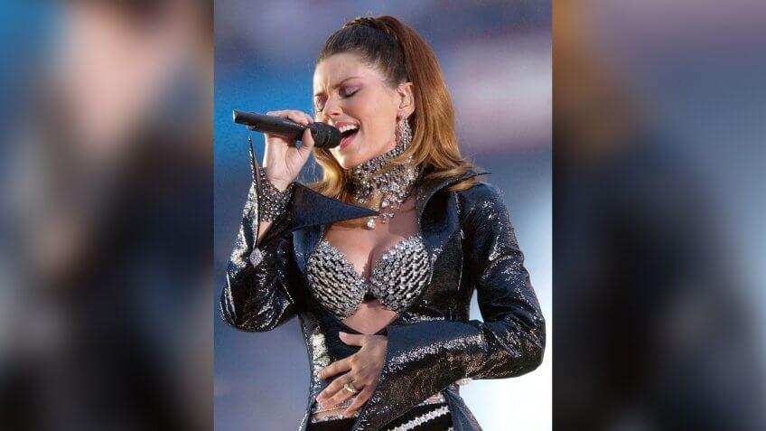 Shania Twain performs during the halftime of Super Bowl XXXVII in San DiegoSUPER BOWL, SAN DIEGO, USA.