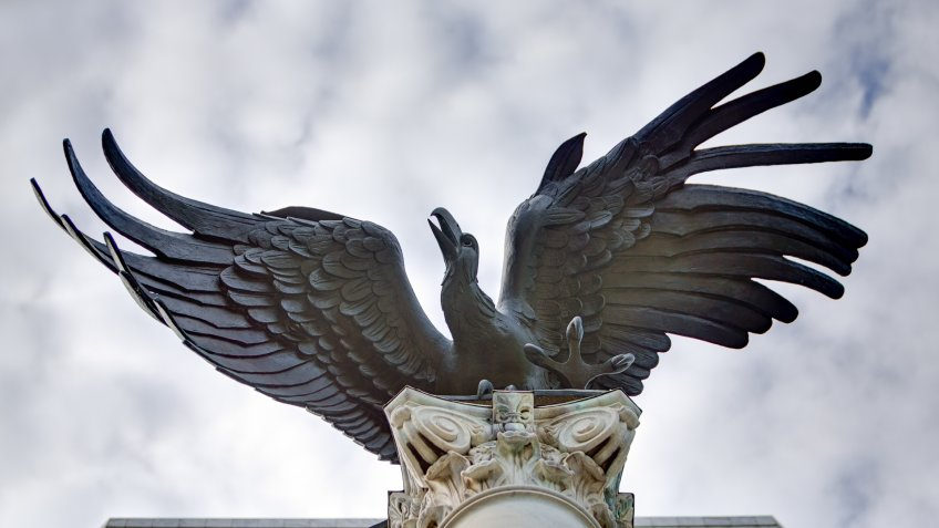 Cast in Rome, Italy, in 1964 by American sculptor, Elbert Weinberg, this bronze eagle along with its column was moved from the old federal reserve bank to the new headquaters in 2001.
