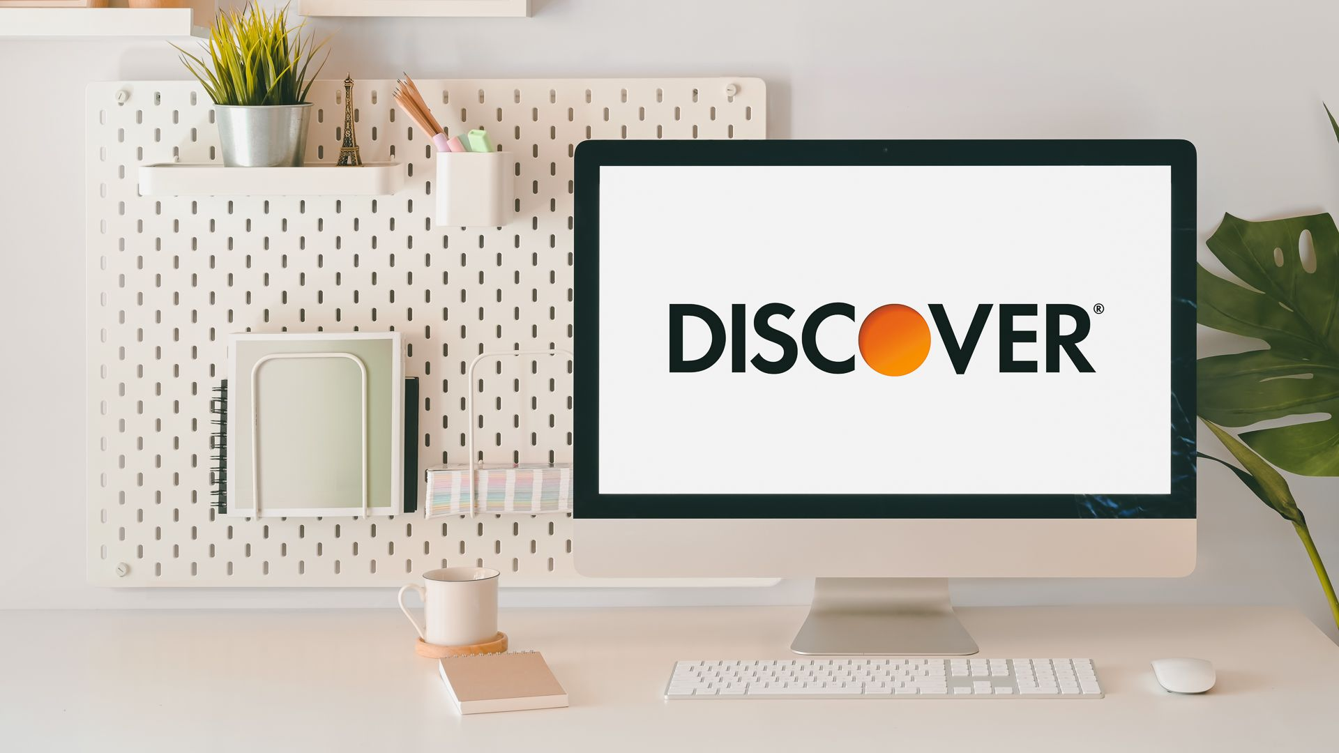 Discover online bank on desktop computer