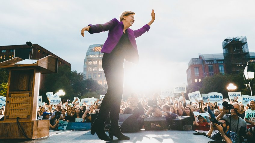 Democratic Senator from Massachusetts and Democratic presidential candidate Elizabeth Warren waves as she takes the stage to speak to supporters during a campaign event in Washington Square Park in New York, New York, USA, 16 September 2019.