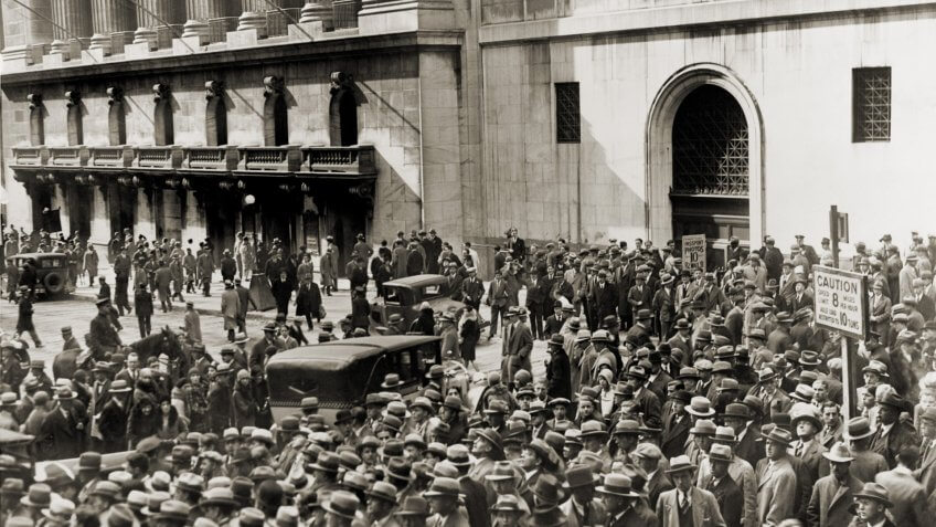 Crowd gathers outside the New York Stock Exchange during the Crash of October 1929.