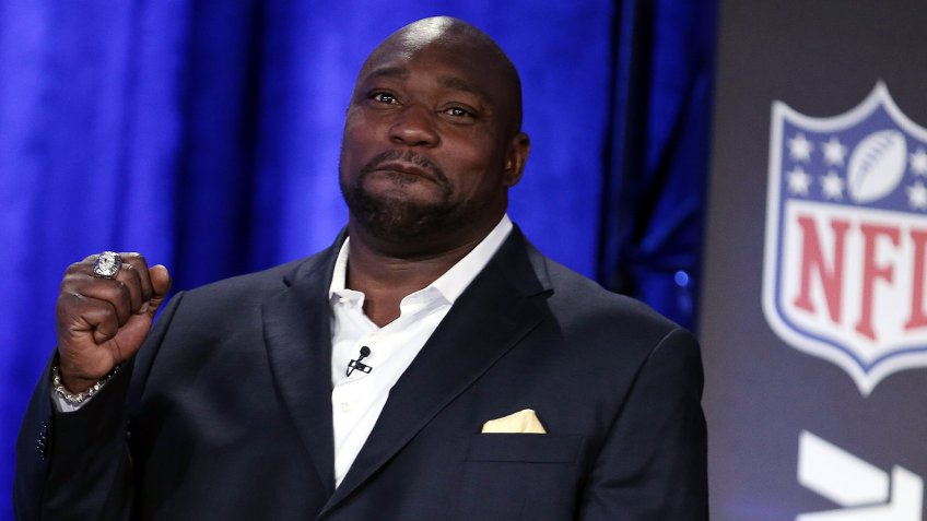 Warren Sapp Former Defensive Tackle For the Tampa Bay Buccaneers Walks on Stage After Being Announced As an Inductee in the 2013 Pro Football Hall of Fame Before the Super Bowl in New Orleans Louisiana Usa on 02 February 2013 the 2013 Super Bowl Will Be Held at the Mercedes-benz Superdome in New Orleans on 03 February 2013 United States New OrleansUsa Nfl Super Bowl - Feb 2013.