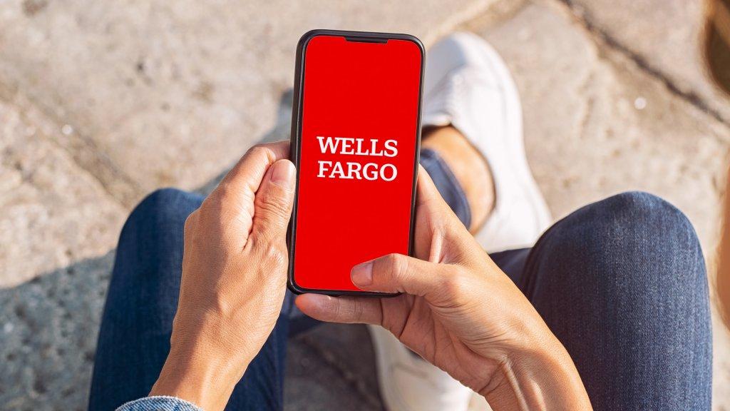 wells fargo large coin deposit process