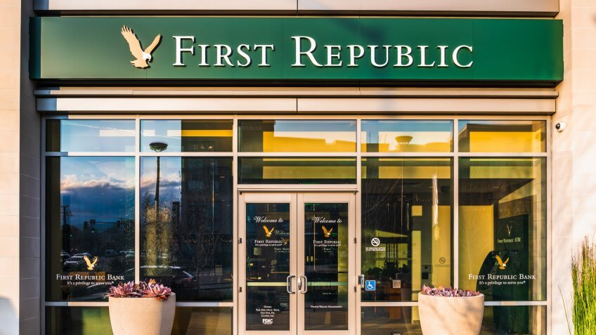 Jan 9, 2020 Mountain View / CA / USA - First Republic Bank branch located in South San Francisco Bay Area; First Republic Bank is an American bank and wealth management company.