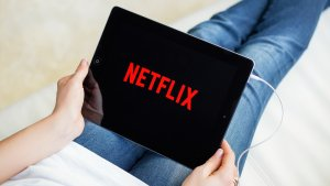 Netflix Thinks It Could Earn $1B by Interrupting Your Binge With Ads