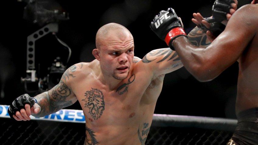 Anthony Smith, Robbie Lawler, UFC, wrestling