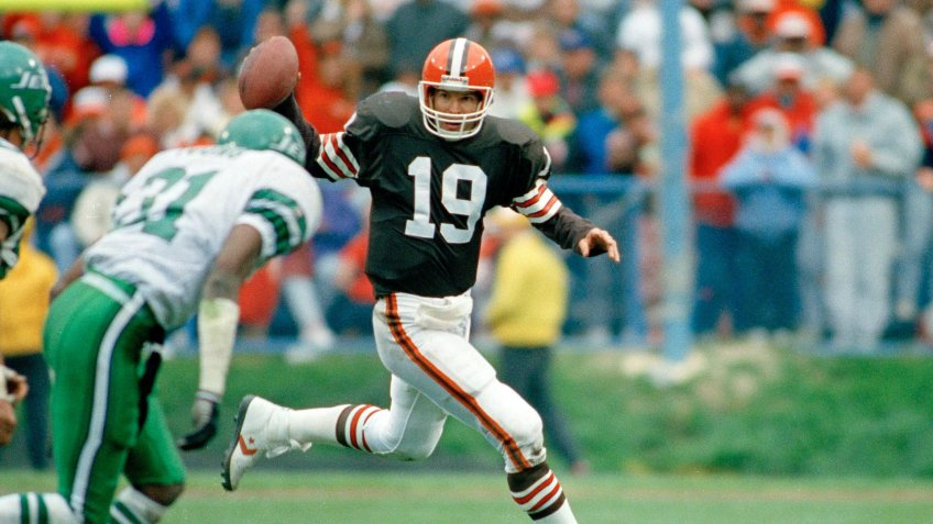 Mandatory Credit: Photo by Uncredited/AP/Shutterstock (6540637a)Bernie Kosar Cleveland Brown's quarterback Bernie Kosar (19) in action against the New York Jets, .